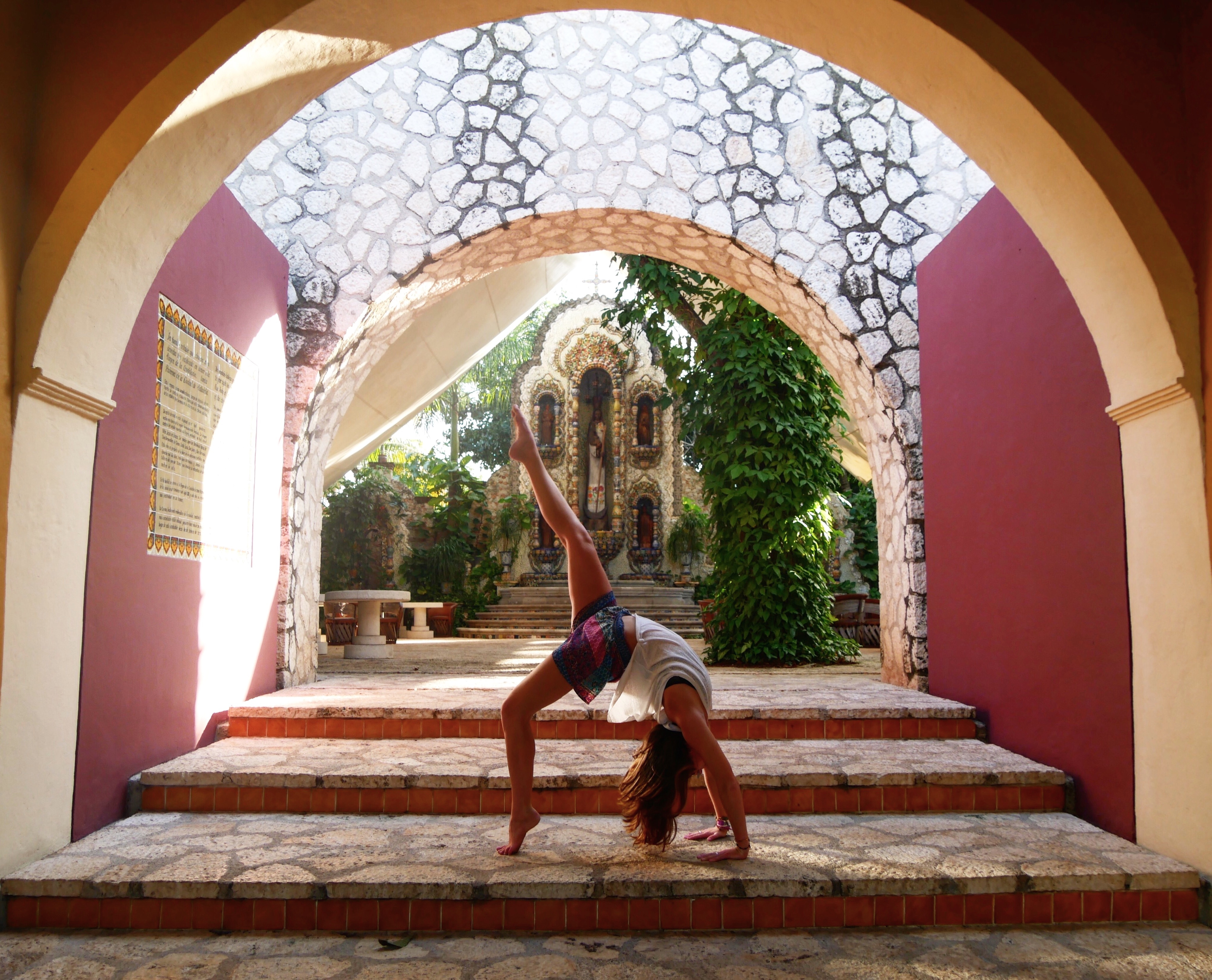 Wheel pose one leg lifted in Mexico