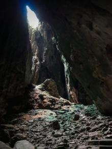 Dark Cave tour