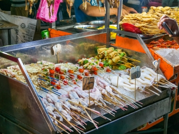 Frogs and squid for grilling at Jalan Alor