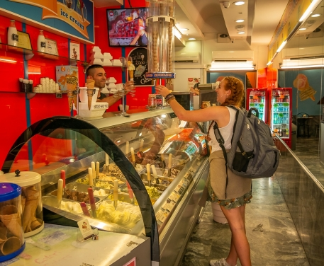 Inside Al Conosseo gelato shop