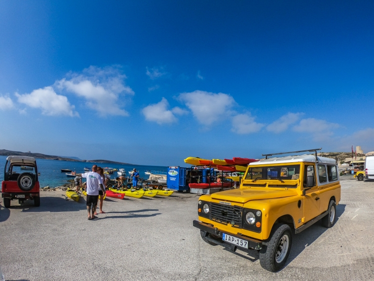 Yellow Rand Rover ride with Kayak Gozo